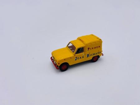 4 L Renault fourgonnette PINDER