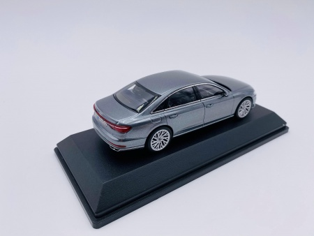 Audi A8 L Monsun Grey