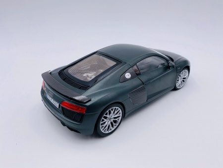 Audi R8 V10 Plus Coupé Green
