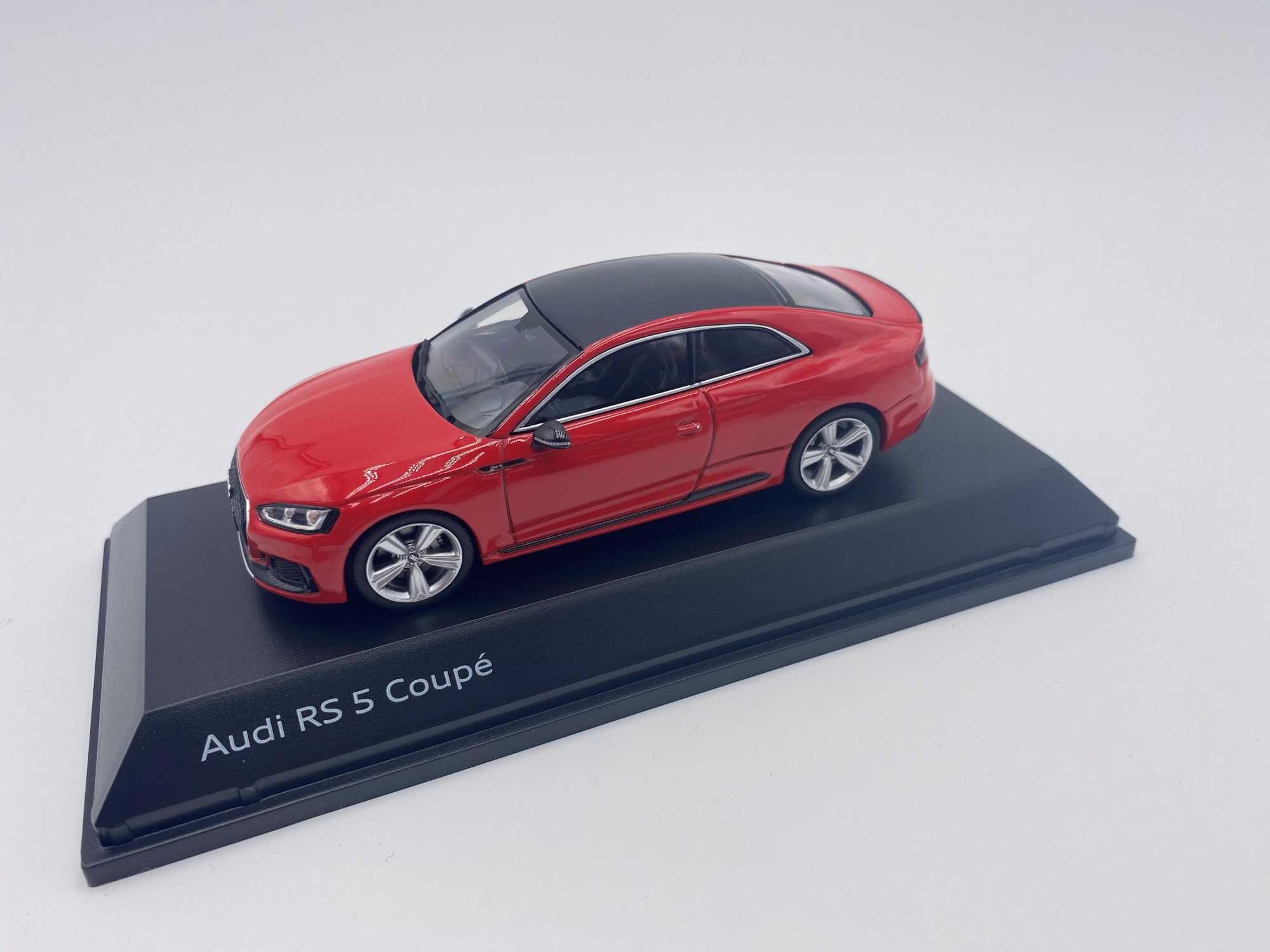 Audi RS 5 Coupé Misano Red