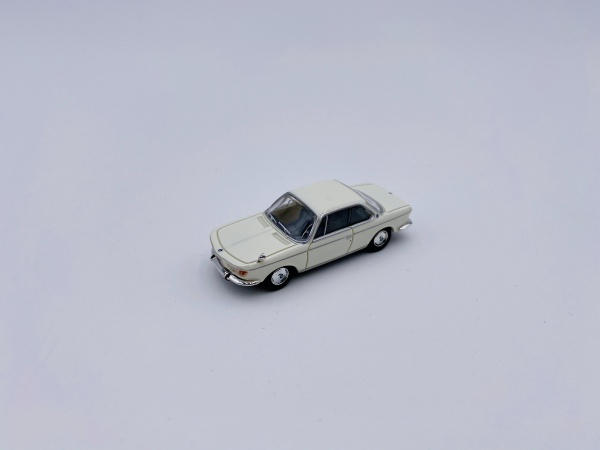 BMW 2000 CS White