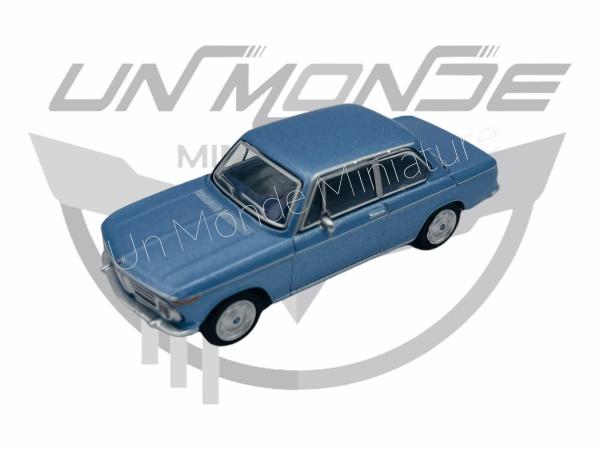BMW 2002 Bleue Métallic
