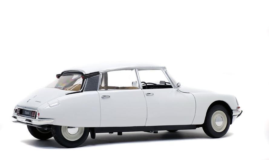 Citroën D Special 1972 White