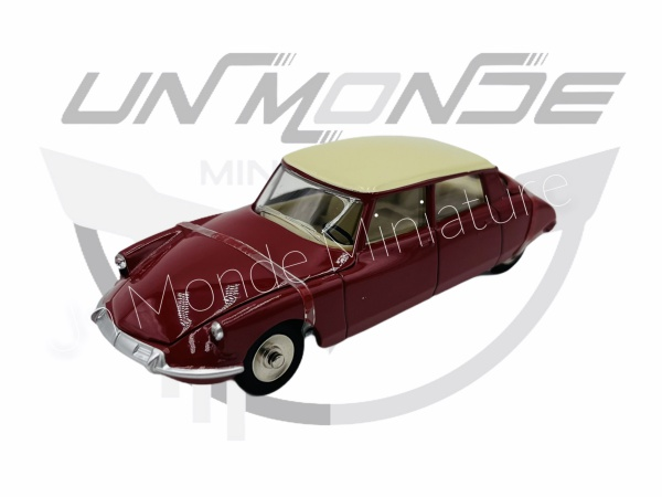 Citroën DS 19 Red & Ivory