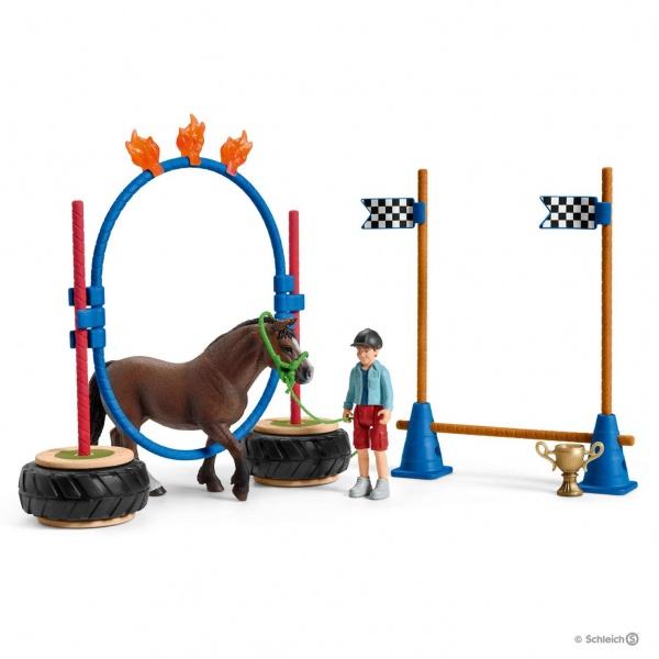 Course d\'agility pour poney