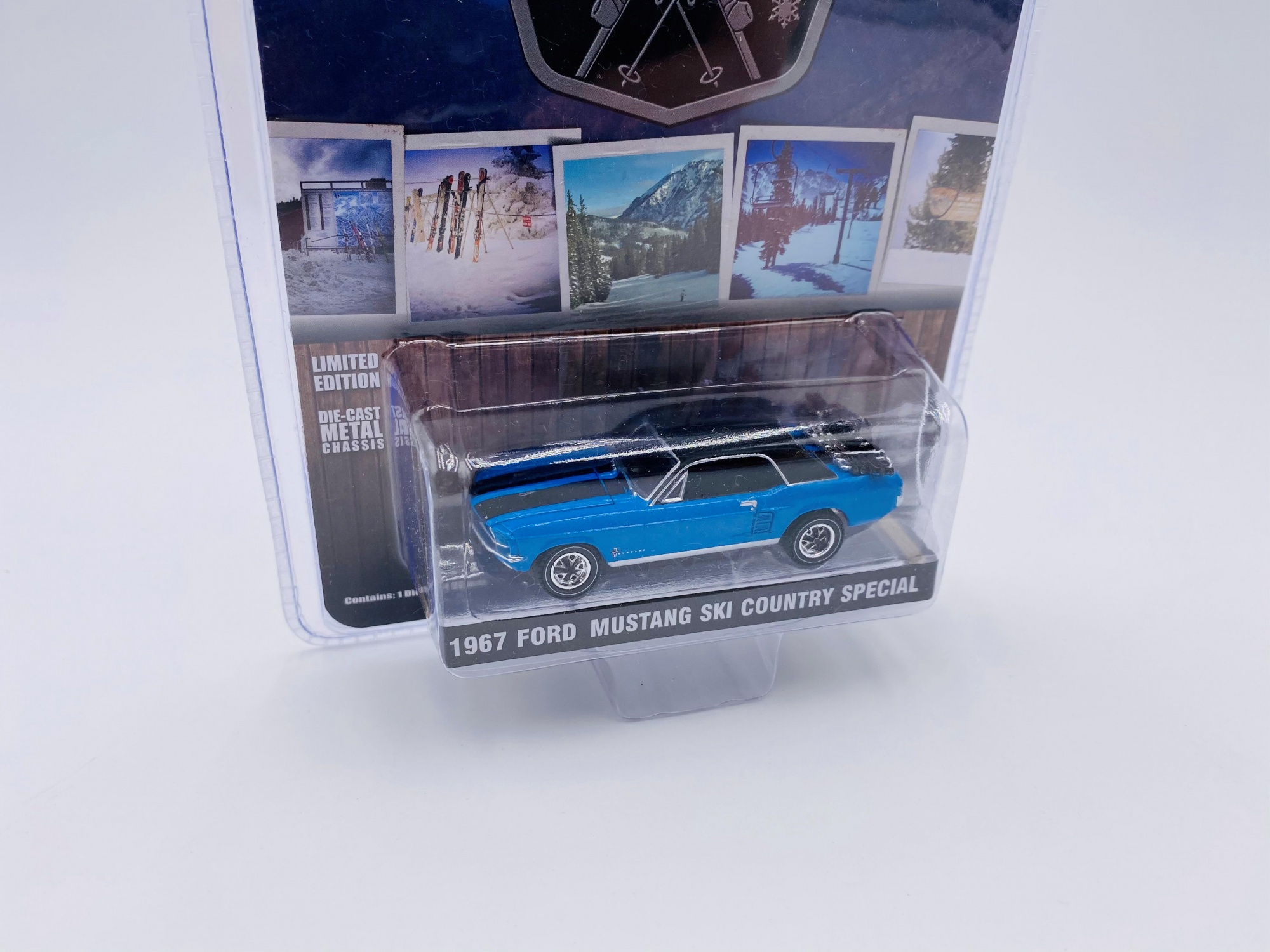 Ford Mustang Coupe Ski Country