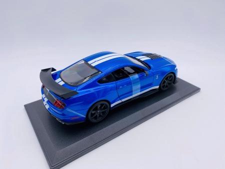 Ford Mustang Shelby GT500 Bleue