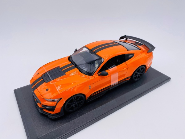 Ford Mustang Shelby GT500 Orange & Noire