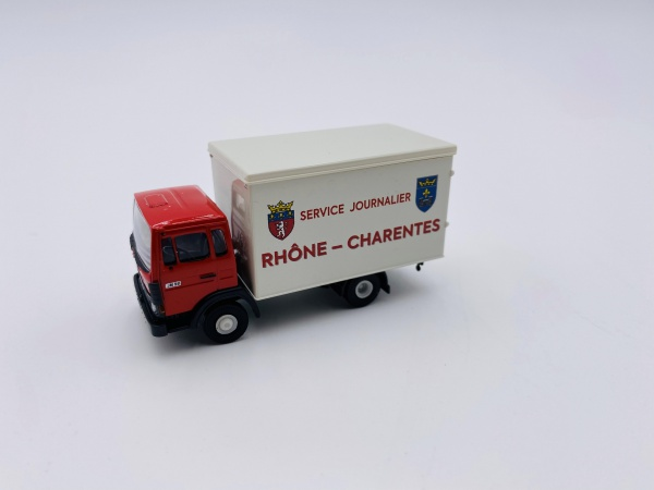 Fourgon Renault JN90 Rhône Charente