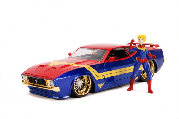 Hollywood Rides - 73 Mach 1 With Captain Marvel Figure