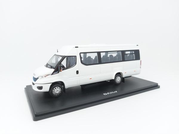 Iveco Daily Minibus NP Hi-MATIC white