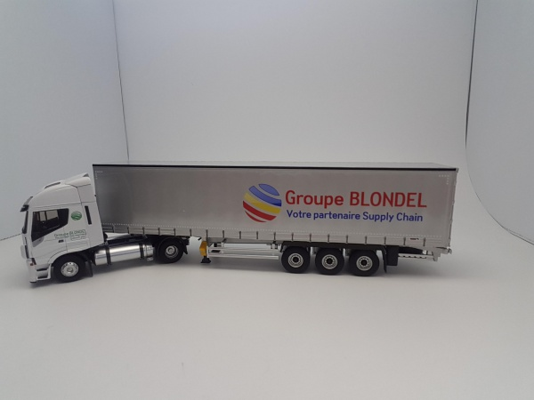 Iveco Stralis NP Tautliner Groupe BLONDEL