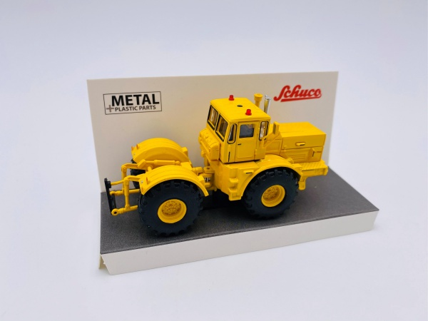 Kirovets K 700A Yellow