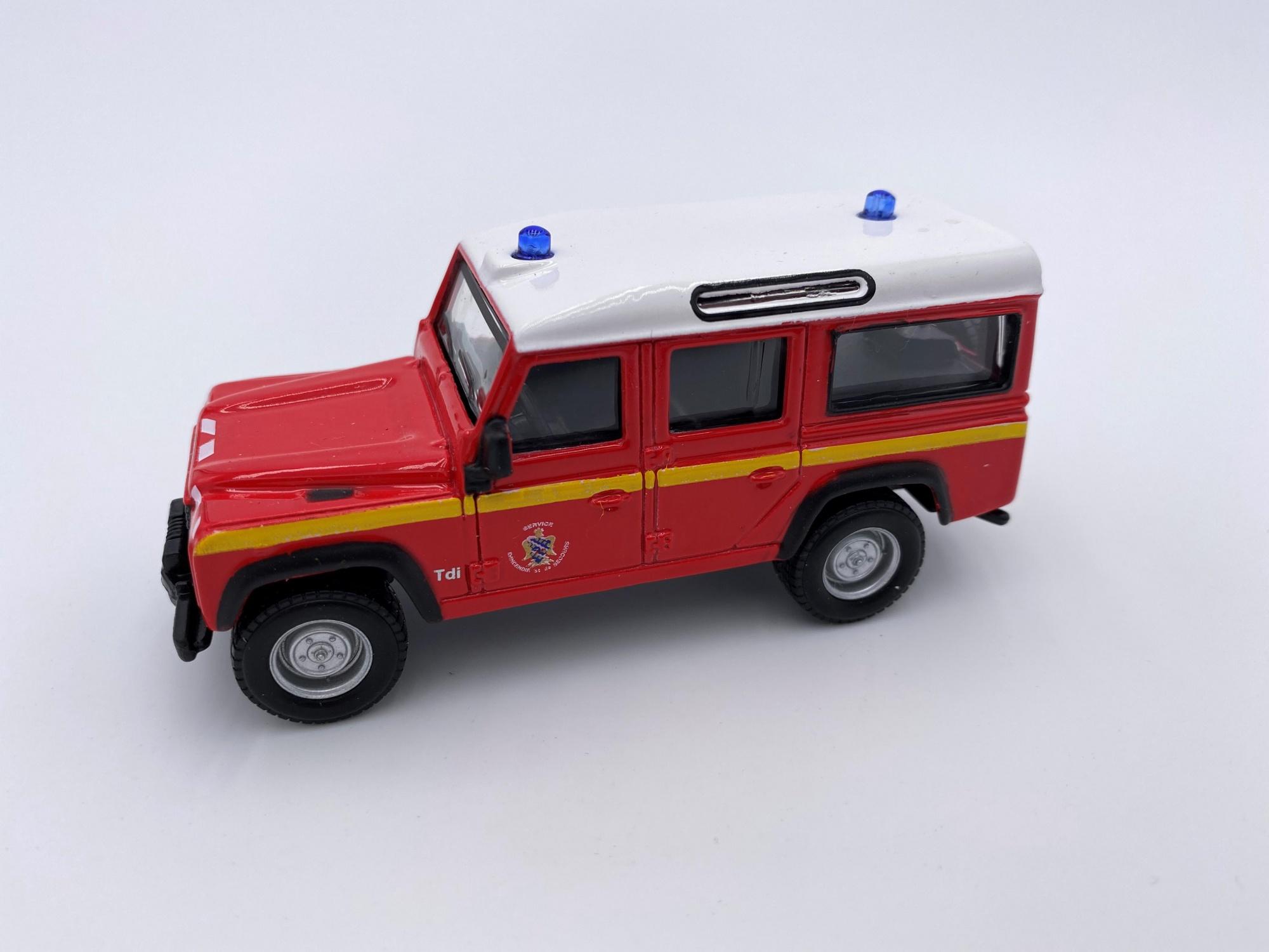 Land Rover Defender 110 Pompier