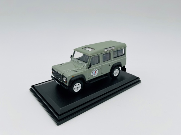 Land Rover Defender Long Vigipirate
