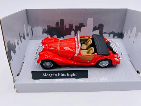 Morgan Plus Eight Rouge