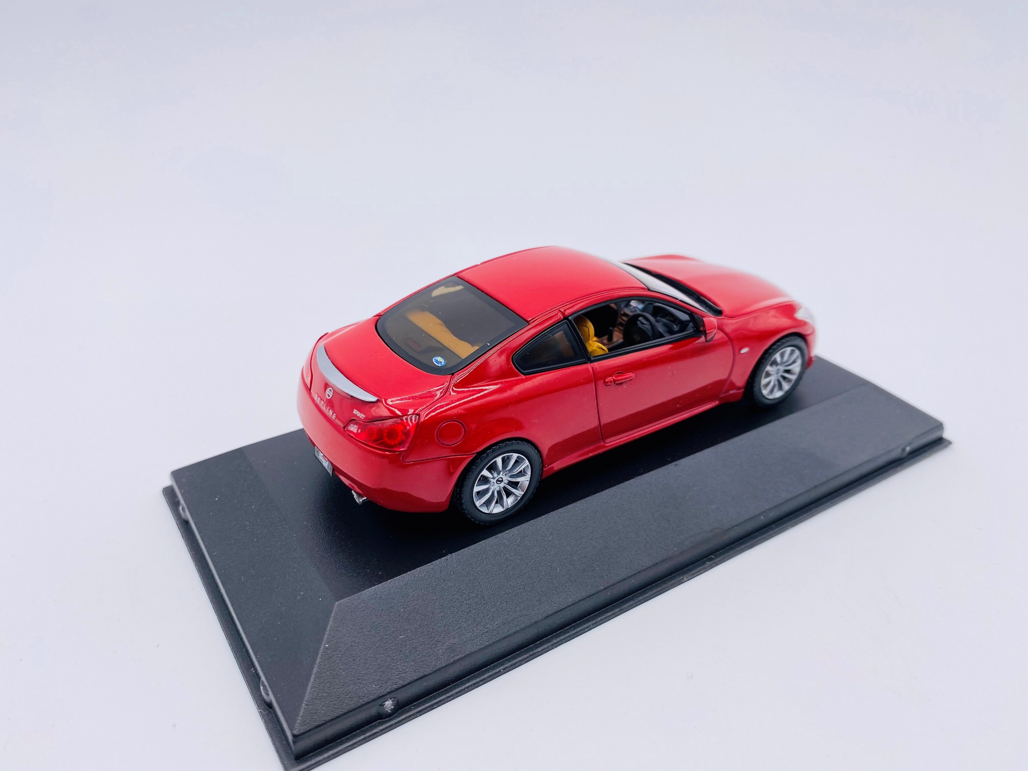 Nissan Skyline Coupe 50th Anniversary Edition 2007 Burning Red