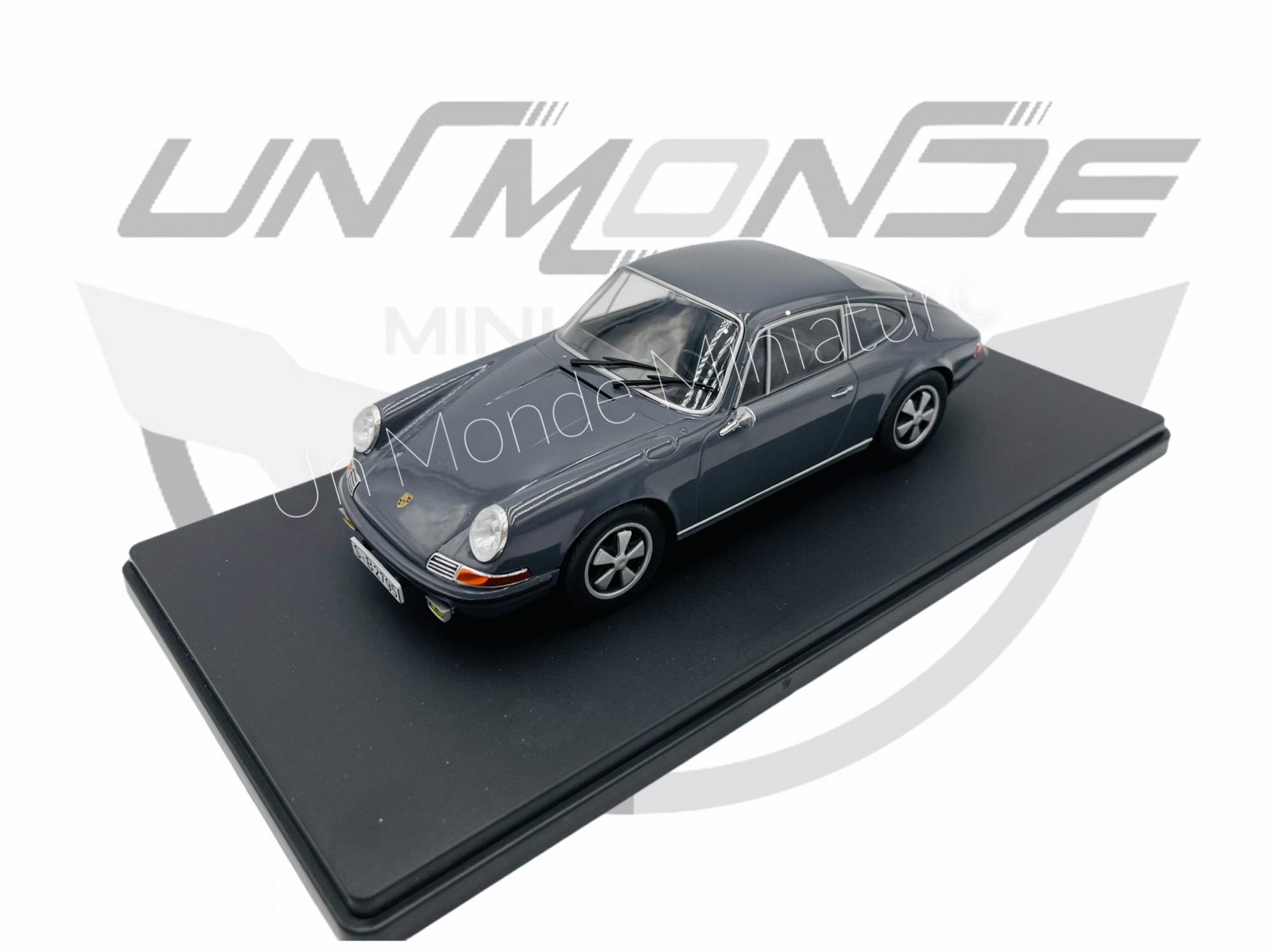 Porsche 911S Grey