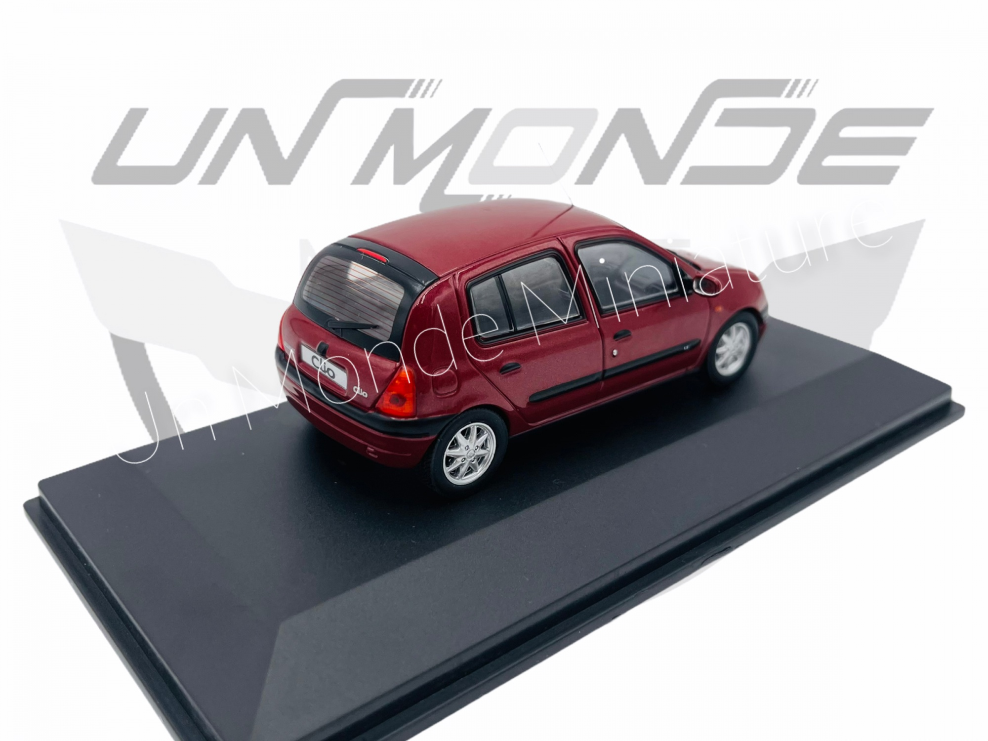Renault Clio II Phase 1 Red Métallic