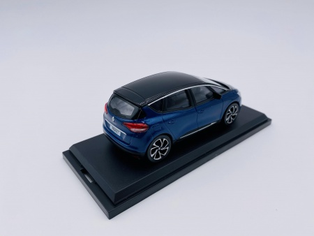 Renault Scenic 2016 Cosmos Blue and