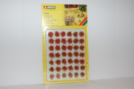 Touffes d\'herbes fleuries rouges x 42