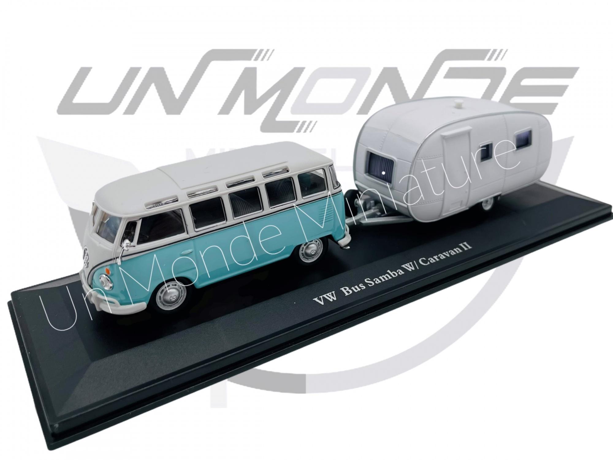 Volkswagen Combi Avec Caravane